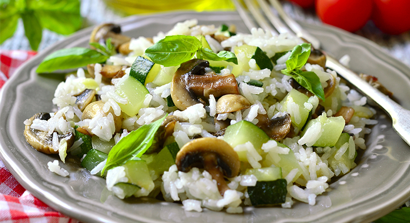 Riso zucchine e funghi champignon