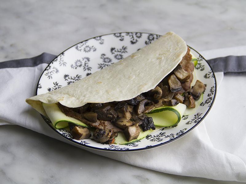 Straccetti di manzo con funghi nei tacos
