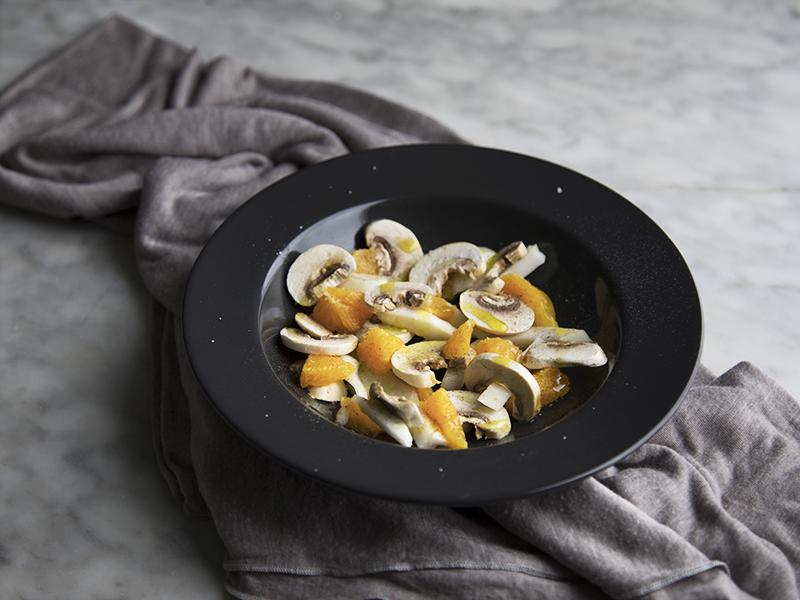 Insalata di champignon con arancia e finocchi