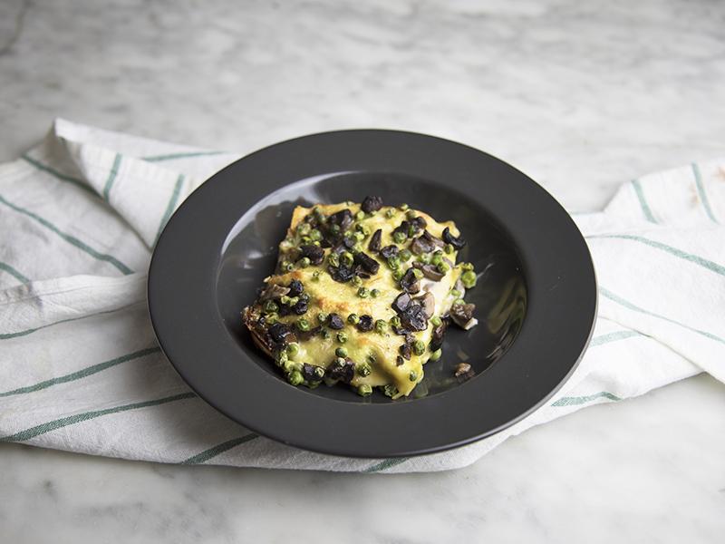 Lasagne vegan con funghi e piselli